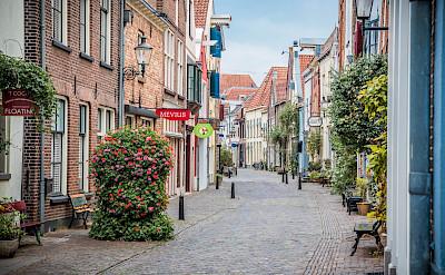 Pretty streets to bike on in Deventer, province Overijssel, the Netherlands. Flickr:Simon Sutcliffe