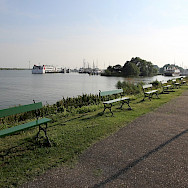 Bike path along the IJsselmeer in Enkhuizen, the Netherlands. Flickr:bert knottenbeld
