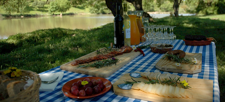 Picnicking en route this great Bike & Cook Portugal Tour!