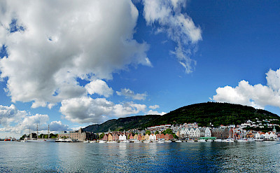Overlooking Bergen, Norway. Wikimedia Commons:Pssmidi