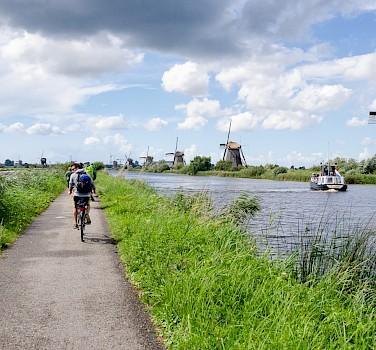 Biking the windmills of Kinderdijk in South Holland, the Netherlands. Flickr:Luca Casartelli