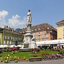 Waltherplatz in Bolzano, South Tyrol, Italy. Wikimedia Commons: CCO