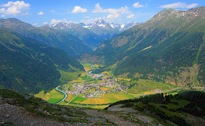 Overlooking Zernez in Switzerland. Flickr:shannyu