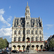 <i>Stadhuis</i> in Oudenaarde, Belgium. Wikimedia Commons:Paul Hermans