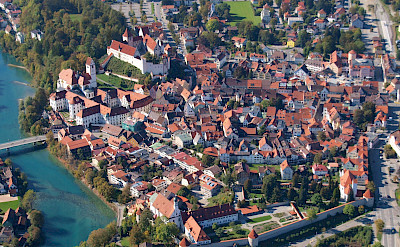 Bird's eye view of Füssen in Germany. Wikimedia Commons:Wolkenkratzer