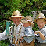 Farmers at work in Wildsteig, Upper Bavaria, Germany. Flickr:Renate Dodell