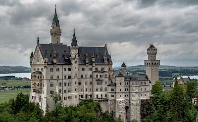Quite extraordinary is the Romanesque Revival Castle of Neuschwanstein near Füssen in Bavaria, Germany. Flickr:Diego