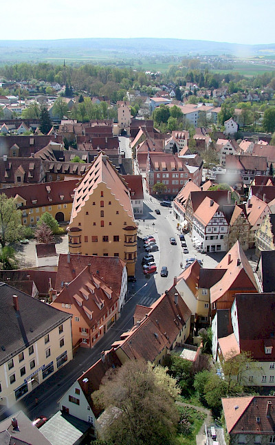 Great architecture abounds on this Romantic Road tour. Here through Nördlingen, Germany. Wikimedia Commons:Mussklprozz