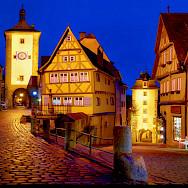 Evening stroll through Rothenburg ob der Tauber, Germany. Flickr:Moyan Brenn