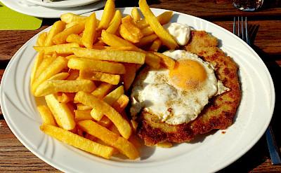 Schnitzel mit Spiegelei, a German favorite. Flickr:Thomas Kohler