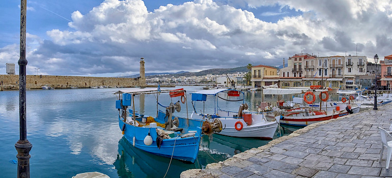 Venetian Harbor in Rethymnon, Greece. Flickr:Γιάννης Χουβαρδάς