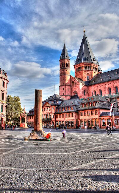 The famous Mainz Cathedral along the Rhine River in Germany. Flickr:Heribert Pohl