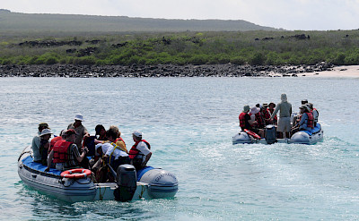 Dinghies to Punta Suarez, Galapagos. Flickr:Vince Smith