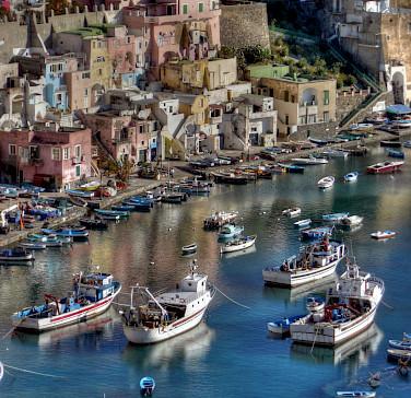 Boats in harbor in Porto, Portugal. Flickr:Porfirio