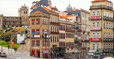 Daily life in Porto, Portugal. Wikimedia Commons:Lacobrigo