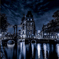 Black & white of dear old Amsterdam in North Holland, the Netherlands. Flickr:Elyktra
