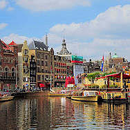 Busy canals in Amsterdam, the capital of the Netherlands. Flickr:faungg's photos