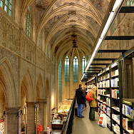 Old Cathedral turned bookstore in Maastricht, Limburg, the Netherlands. Flickr:Bert Kaufmann