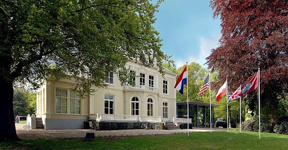 Airborne Museum Hartenstein in Arnhem, Gelderland, the Netherlands. Wikimedia Commons:Airborne Museum Hartenstein
