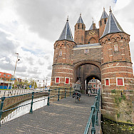 Entrance gate to Haarlem, North Holland, the Netherlands. Flickr:Marcelo Campi