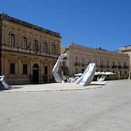 Artwork in Syracusa, Sicily, Italy. Flickr:Jerome Bon
