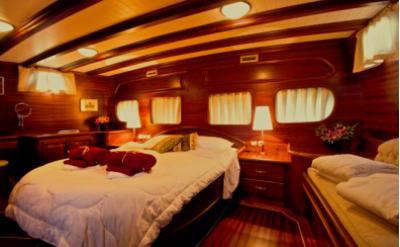 Triple cabin - Silver Star II - Bike & Boat Tours