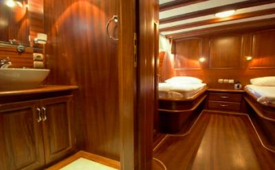 Twin cabin - Silver Star II - Bike & Boat Tours