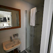 Bathroom | Magnifique IV | Bike & Boat Tours
