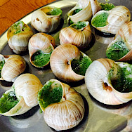 Escargot with herb butter - perfect cycling food. Flickr: Tseng