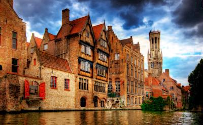 <i>Vue du canal a Rozenhoedkaai</i> with view of Belfry in Bruges, Belgium. Flickr:Wolfgang Staudt