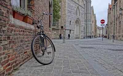 Biking through Bruges, Belgium. Flickr:Nan Palmero