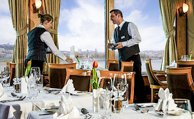 Dining is an experience on the Fortuna | Bike & Boat Tours