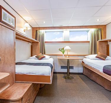 Main Deck - Standard Twin Cabin | Fortuna Boat | Bike & Boat Tours