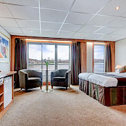 Upper Deck - Suite with French balcony and sofa