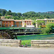 Fontaine-de-Vaucluse in the Provence-Alpes-Côte d'Azur region of southeastern France. Wikimedia Commons:Joseph Plotz