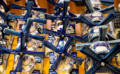 Delft-blue souvenirs for sale at the Zaanse Schans in the Netherlands. Flickr:Zicario Van Aalderen
