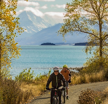 Plenty of lakes on the New Zealand Alps to Ocean Bike Tour. Photo via TO