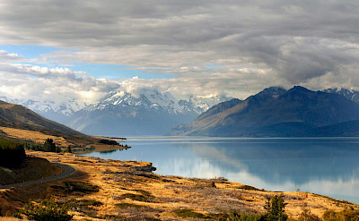 Lake Pukaki and Mt Cook in New Zealand. Flickr:Bernard Spragg. NZ