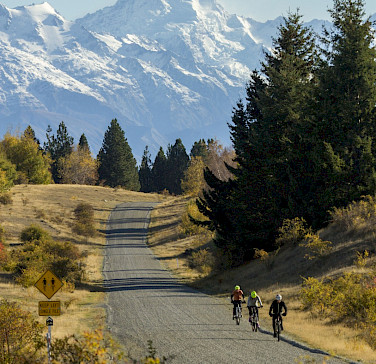 Scenic backdrops on the New Zealand Alps to Ocean Bike Tour. Photo via TO