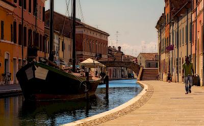 Walking in Comacchio Ferrara, Italy. Flickr:Enrico Pighetti