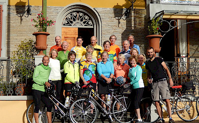 Group shot on the Venice to Florence Italy Bike Tour.