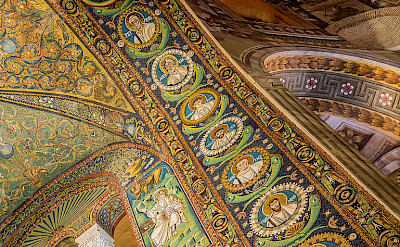 Mosaics in Basilica San Vitale in Ravenna, Italy. Wikimedia Commons:Petar Milosevic