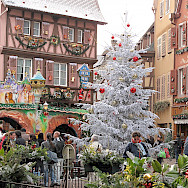 Christmas Market in Colmar, Germany. Creative Commons:TangoPaso