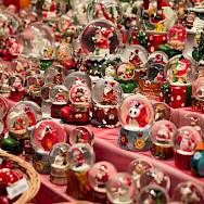 Souvenirs from the Weihnachtsmarkt in Dusseldorf, Germany. Flickr:Ivan Borisov