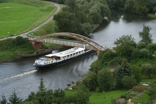 Merlijn cruising a European river