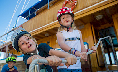 Bring the kids for multi-adventure fun on the islands in Greece! Photo via TO