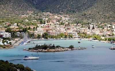 Beautiful harbors to be seen on this Greek tour! Photo via TO