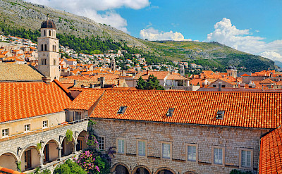 Courtyard in Dubrovnik, Dalmatia, Croatia. Photo via Flickr:Tambako The Jaguar