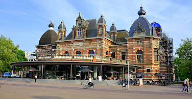 Train station in Arnhem, the Netherlands. Wikimedia Commons:Marikit Louppen