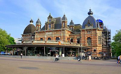 Train station in Arnhem, the Netherlands. Wikimedia Commons:Marikit Louppen